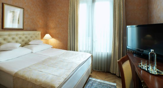 Grand Hotel Toplice: A well-furnished and cosy single room