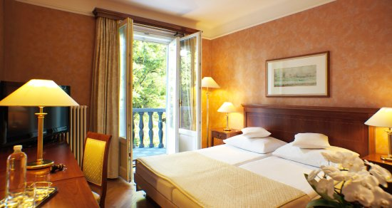 Grand Hotel Toplice: A spacious double room