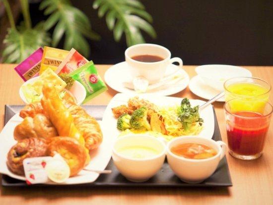 Hiroshima Tokyu REI Hotel: Cafe style breakfast