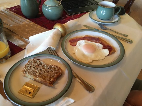Coolmore House B&B: great breakfast