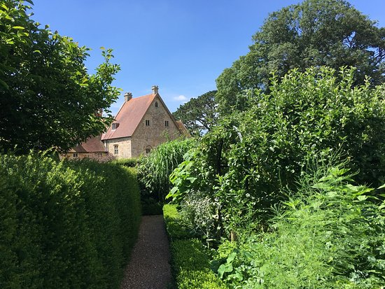 Arlington, UK: The house from the amazingly tightly-packed fruit and vegetable garden