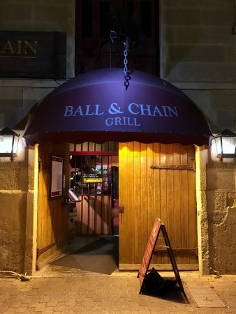Ball and Chain Grill: Entrance