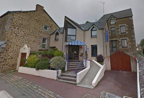 Ducey, ฝรั่งเศส: vue de la facade de l'hotel