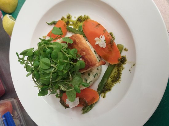 Pantymwyn, UK: Roasted salmon with crab & prawn risotto