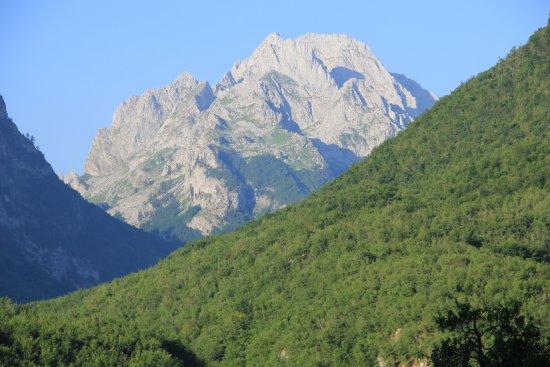 Prokletije Mountains: Wunderschöne Berge und Natur im Nationalpark Prokletije