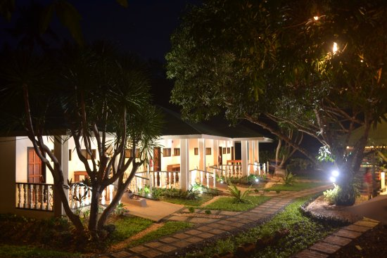 Have breakfast in their veranda in a serene and tranquil nature-feel environment.