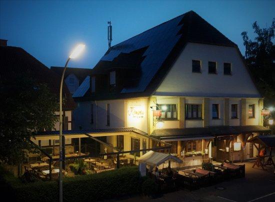 Bad Westernkotten, เยอรมนี: Gasthof Kemper bei Nacht