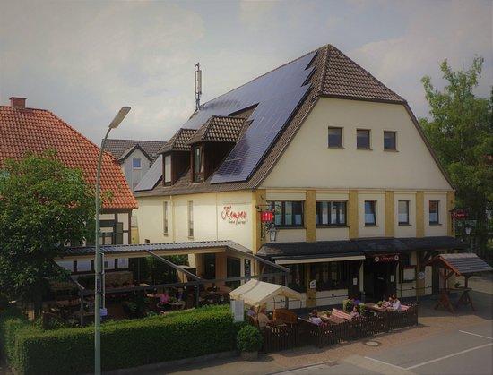 Bad Westernkotten, เยอรมนี: Neu gestaltetete Gartenwirtschaft mit Markisenanlage