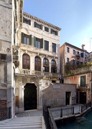 Foresteria Valdese Venezia: Ingresso Palazzo Cavagnis