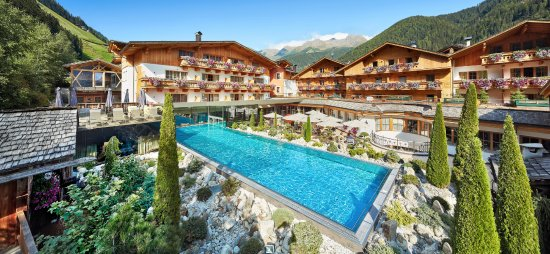 Hotel Quelle Nature Spa Resort Photo