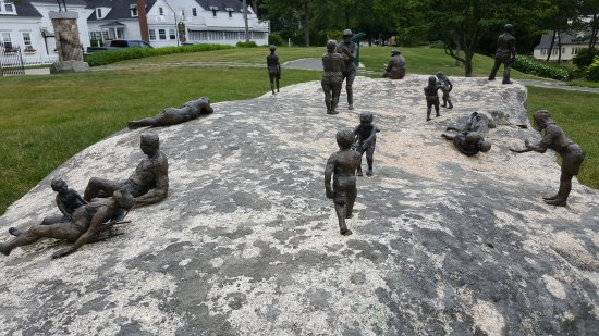 York, ME: figurines