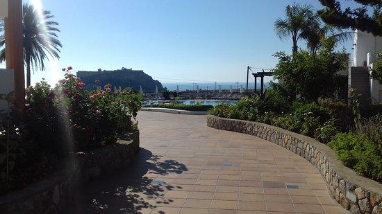 Krana Apartments: Acropolis views as you walk to the pool area