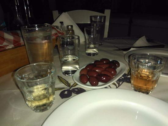 Galini, Grecja: raki, olive e vino