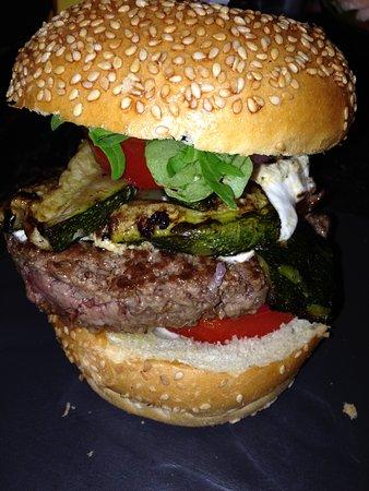 Le BB Burger: Burger Provencale