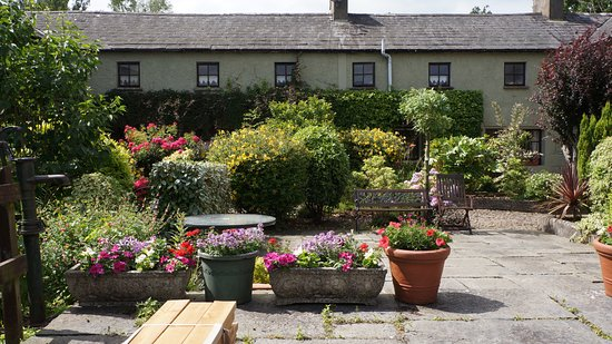 The courtyard of Ballinacourty House Restaurant
