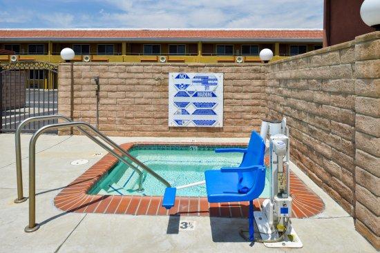 Azusa, Kalifornien: Hot Tub