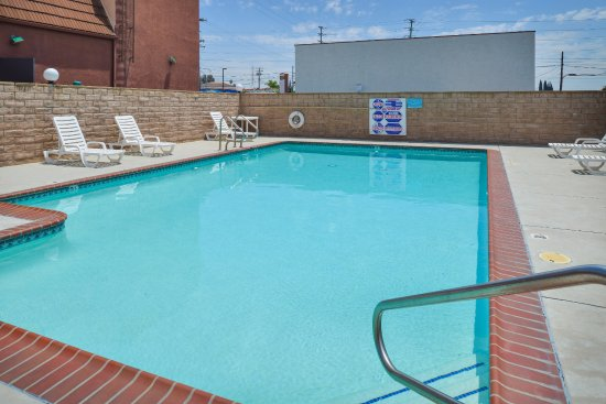 Americas Best Value Inn-Azusa/Pasadena : Pool
