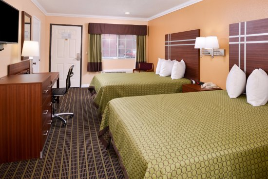 Americas Best Value Inn-Azusa/Pasadena : Two Queen Beds