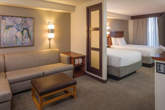 Hyatt Place Dallas/North Arlington/Grand Prairie: Spacious rooms with living area