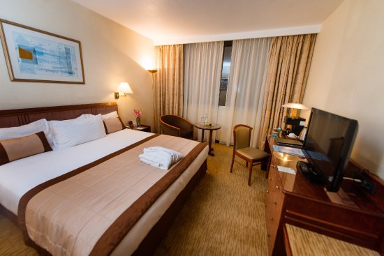 Hotel Carlton Antananarivo Madagascar: Chambre spacieuse dans un cadre luxueux d'un hôtel 05 étoiles