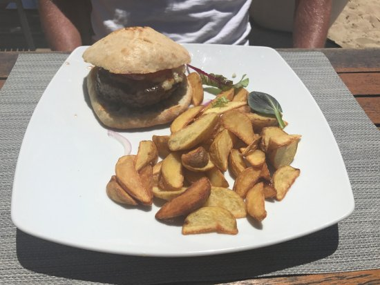 Nassau Beach: Burger