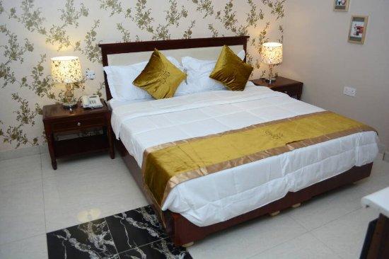 RightGate Hotel