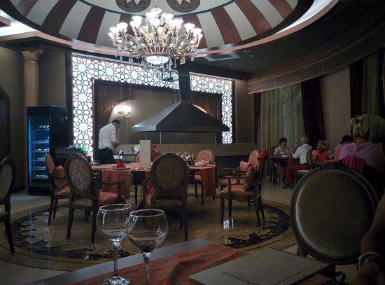 Ресторан с бронированием столиков