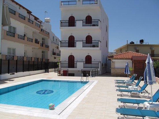 Kastro Beach Apartments  Malia  Grekland