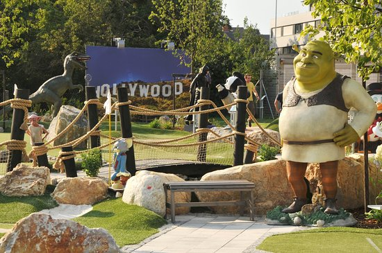 "Abenteuer Minigolf ""Hollywood"""