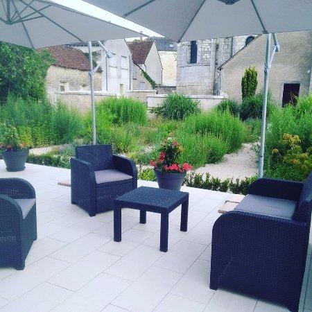 Saint-Georges-sur-Cher, France: terrasse