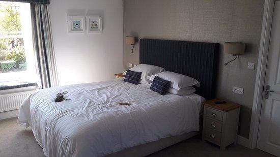 Rashleigh Arms: comfortable bed