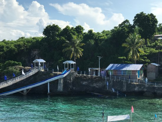 Gibitngil Island: View of water slide area