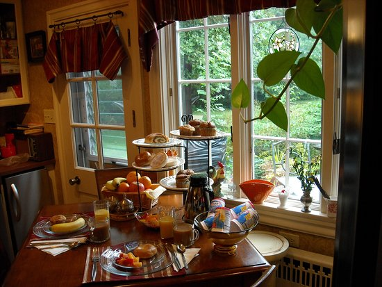 Saxonburg, Pensylwania: Dining room for the Complimentary continental breakfast