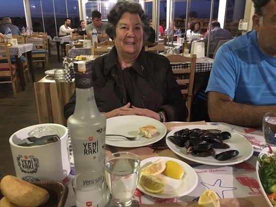 Gemi Restaurant: ailecek