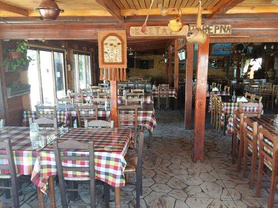 Costa's Koloni Tavern