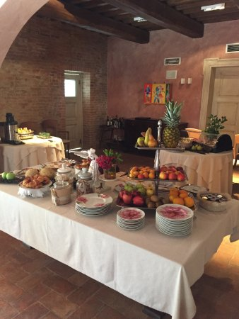 Villa Armena Relais: Beautiful breakfast spread