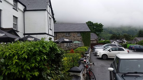 Dining at the Brigands Inn: Car park (1)
