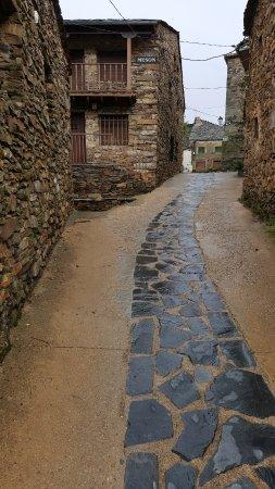 Valverde de los Arroyos, Spanje: La calle de acceso