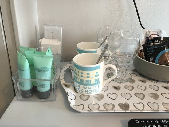 The White Rock Hotel: Coffee making facilities and nice soap/shower ammenities