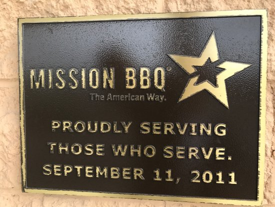 California, MD: Inside Mission BBQ!!