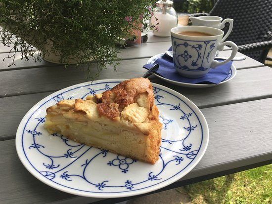 Gingst, Niemcy: Lecke Kuchen & Kaffee im lauschigen Garten
