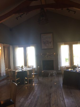 Victor, ID: Dining room