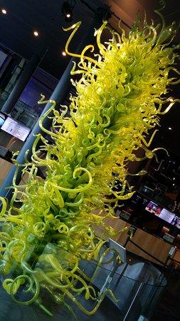 คอร์นนิง, นิวยอร์ก: glass tree