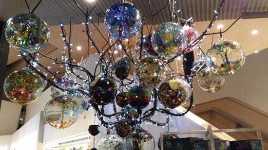 Corning, NY: glass display