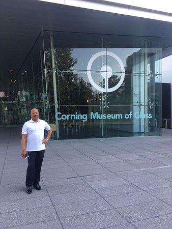 Corning, Nova York: me at entrance