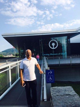 Corning, Nova York: me at the bridge