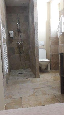 Hotel Au Bon Coin : IMG-20170704-WA0007_large.jpg