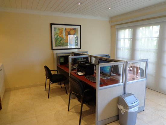 Paynes Bay, Barbados: Business center with 4 Guest Pc's
