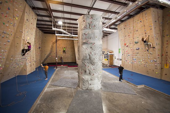 North Little Rock, AR: 27 belay stations and 10 auto belays