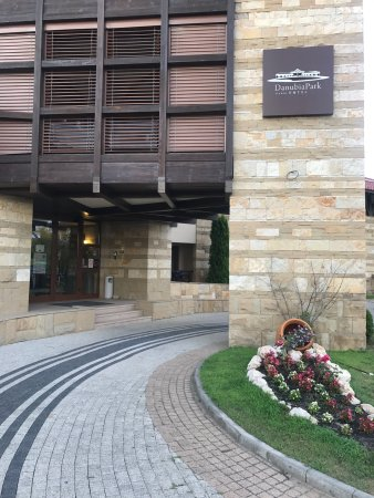 Danubia Park Hotel: Entrance